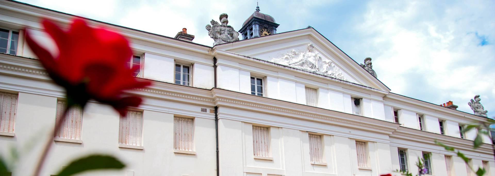 Depuis les terrasses du château de la Verrerie, Le Creusot. © Lesley Willamson.