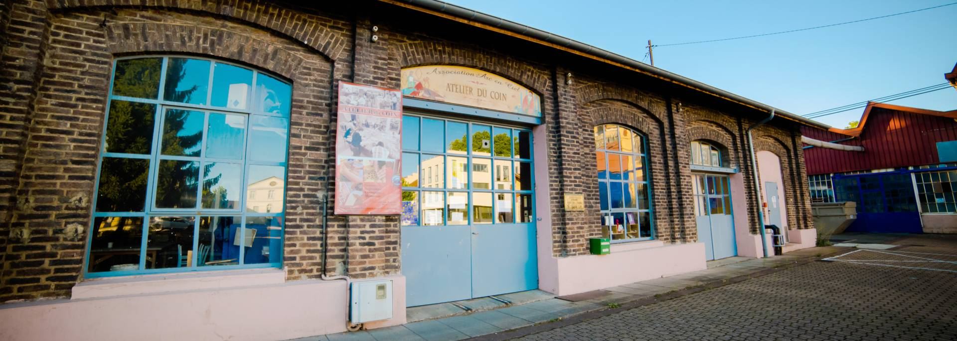 Les ateliers réhabilités accueillent de nouvelles activités. © Franck Juillot.