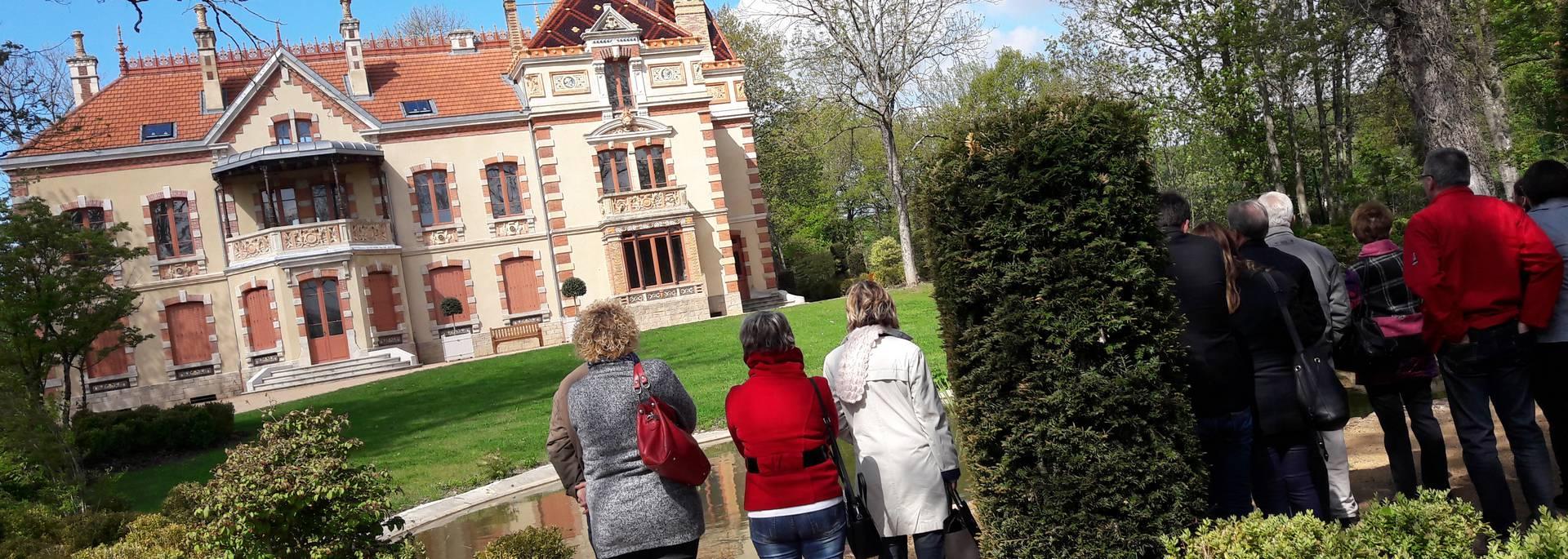 Visite guidée du jardin de la Villa Perrusson, Écuisses. © Creusot Montceau Tourisme.
