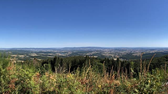 Panorama depuis le Mont-Beuvray. © Creusot Montceau Tourisme.