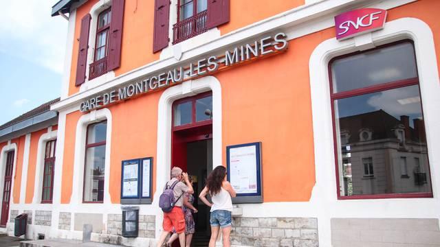 Gare de Montceau-les-Mines. © Lesley Wlliamson.