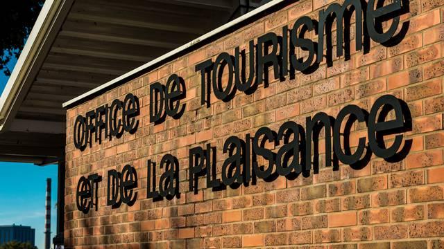 Façade de bureau d'information touristique de Montceau. © Oscara Photographe, Creusot Montceau Tourisme.