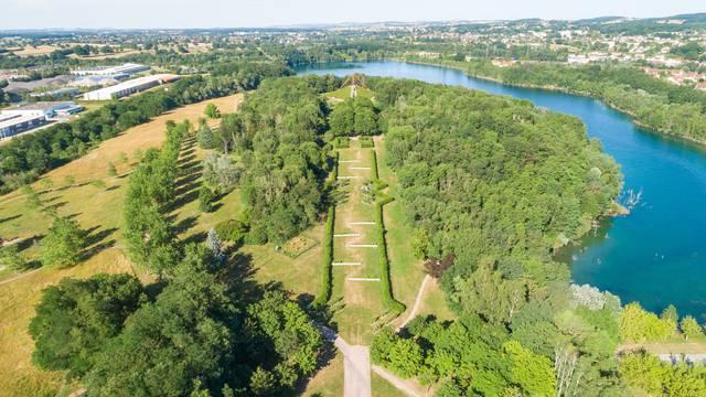 Vu générale du parc Saint-Louis, Montceau-les-Mines. © Xavier Spertini.