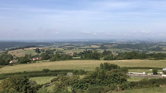 Vue panoramique depuis Mont-Saint-Vincent. © Creusot montceau Tourisme.