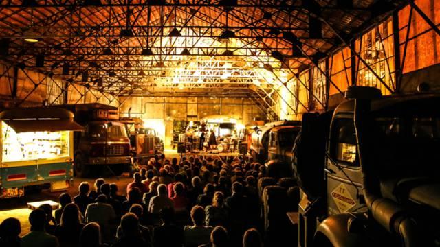 Soirée concert à l'Usine Aillot. © Lesley Williamson.