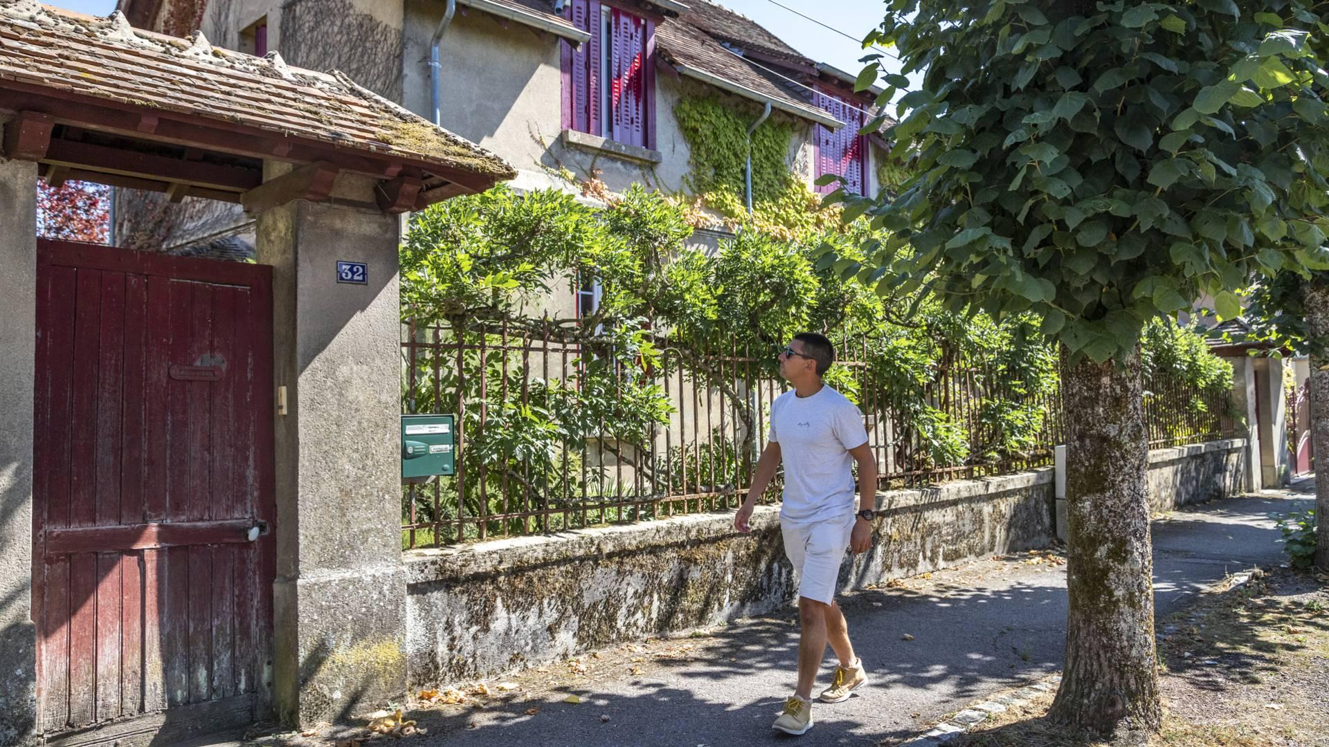 Avenue Saint-Sauveur, Le Creusot. © Lesley Williamsson.