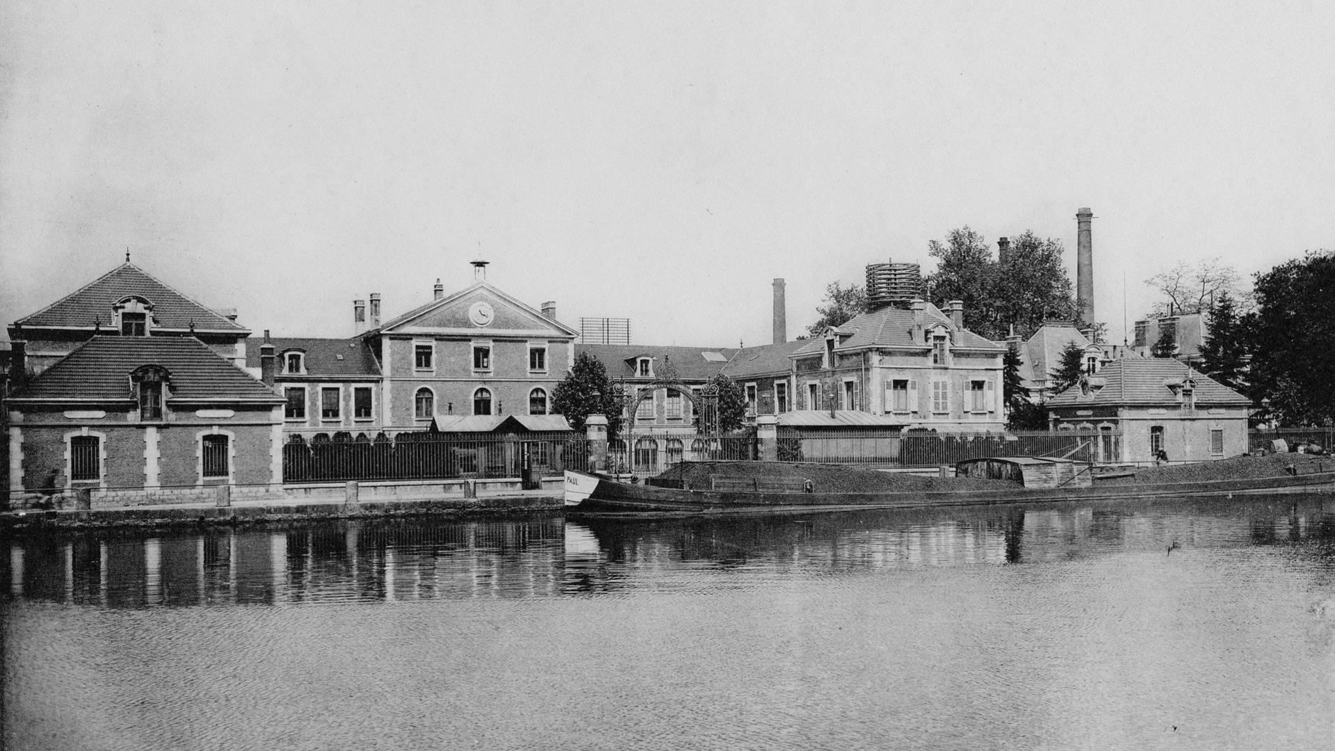 Les anciens bureaux des houillères en 1927, Montceau-les-Mines. © CUCM, Service Écomusée, reproduction D. Busseuil.