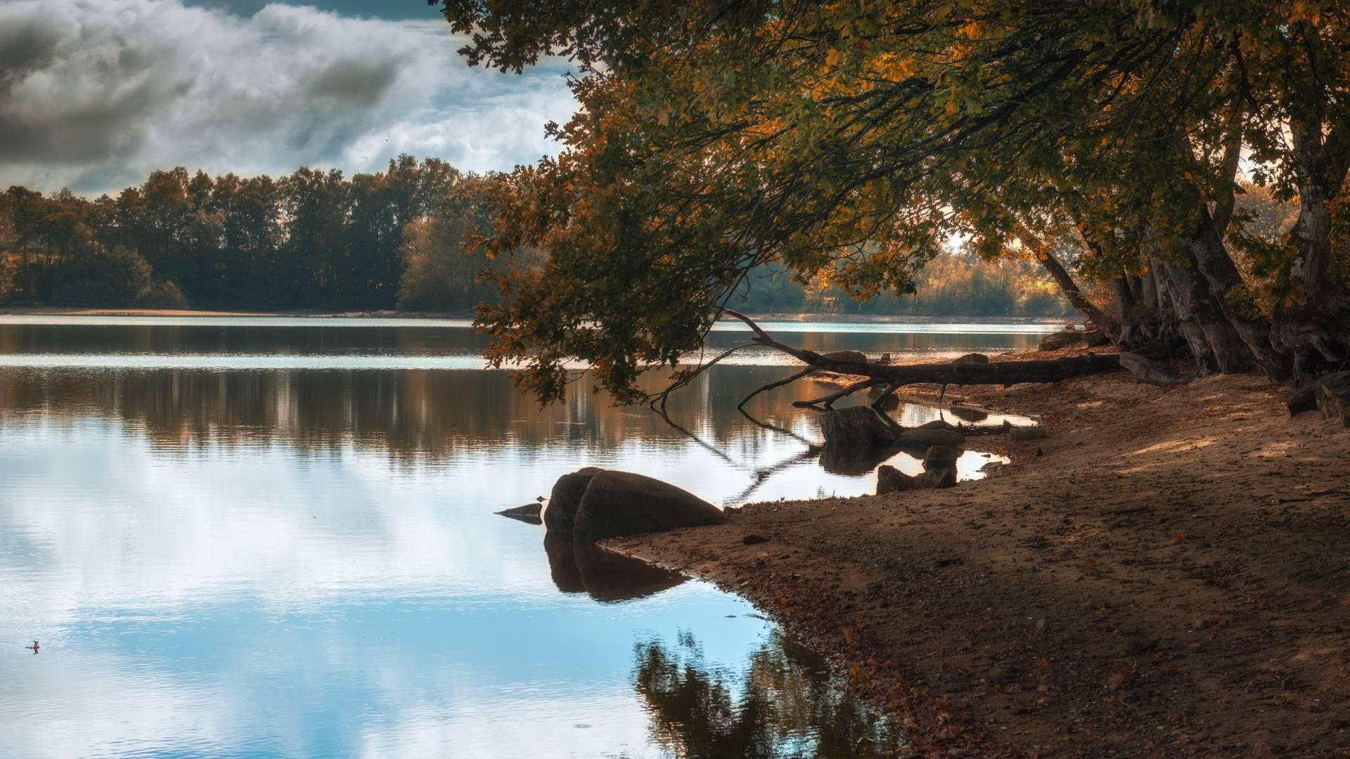 Etang de Brandon. © Oscara Photographe, Creusot Montceau Tourisme.