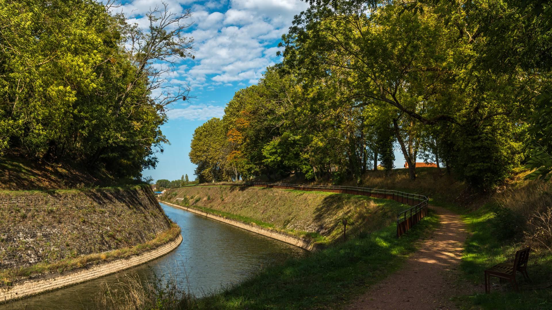 Au coeur de la tranchée du canal, Génelard. © Oscara Photogrpahe_Creusot Monteau Tourisme.