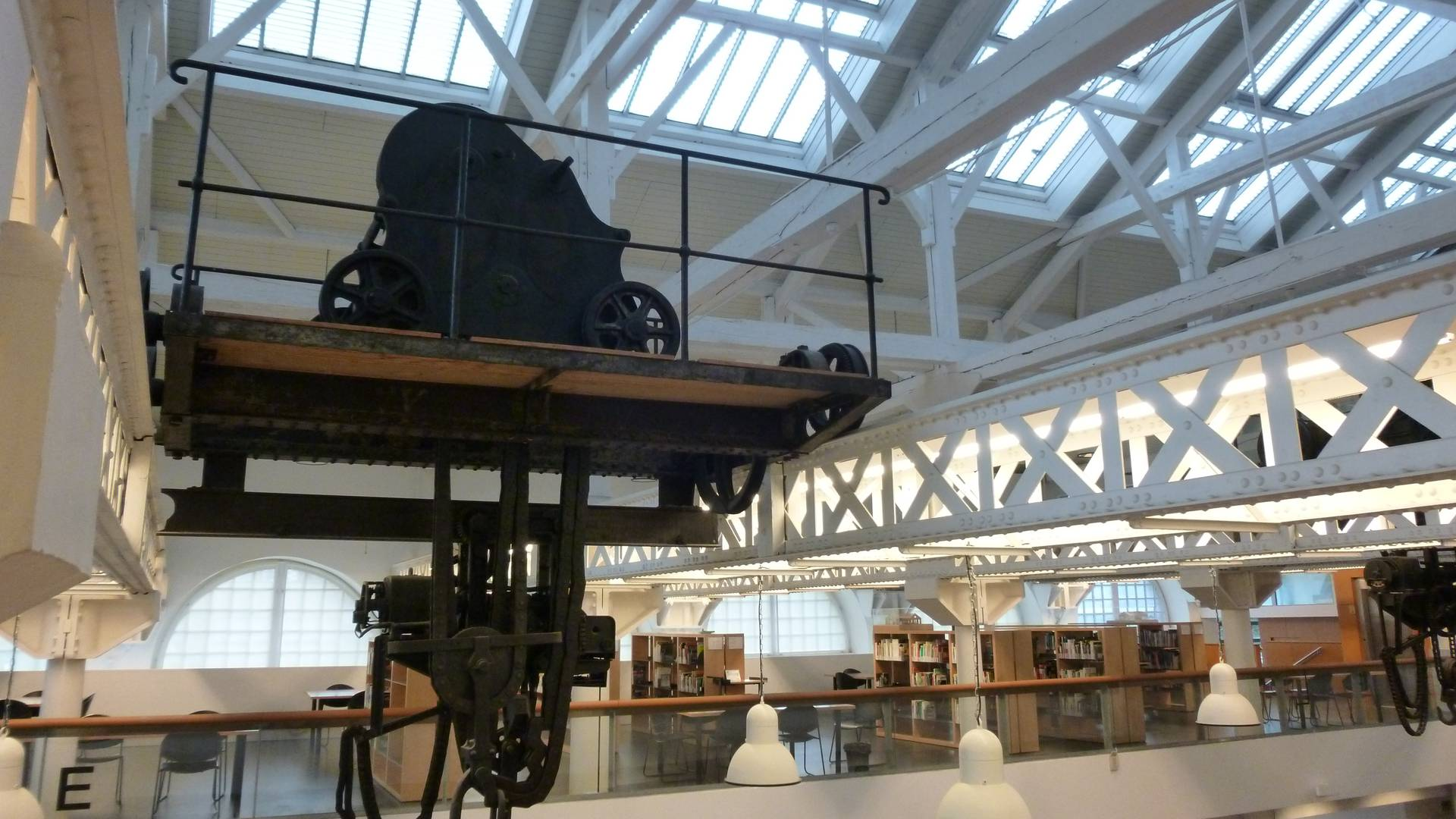 Une halle industrielle reconvertie en bibliothèque. © Creusot Montceau Tourisme.