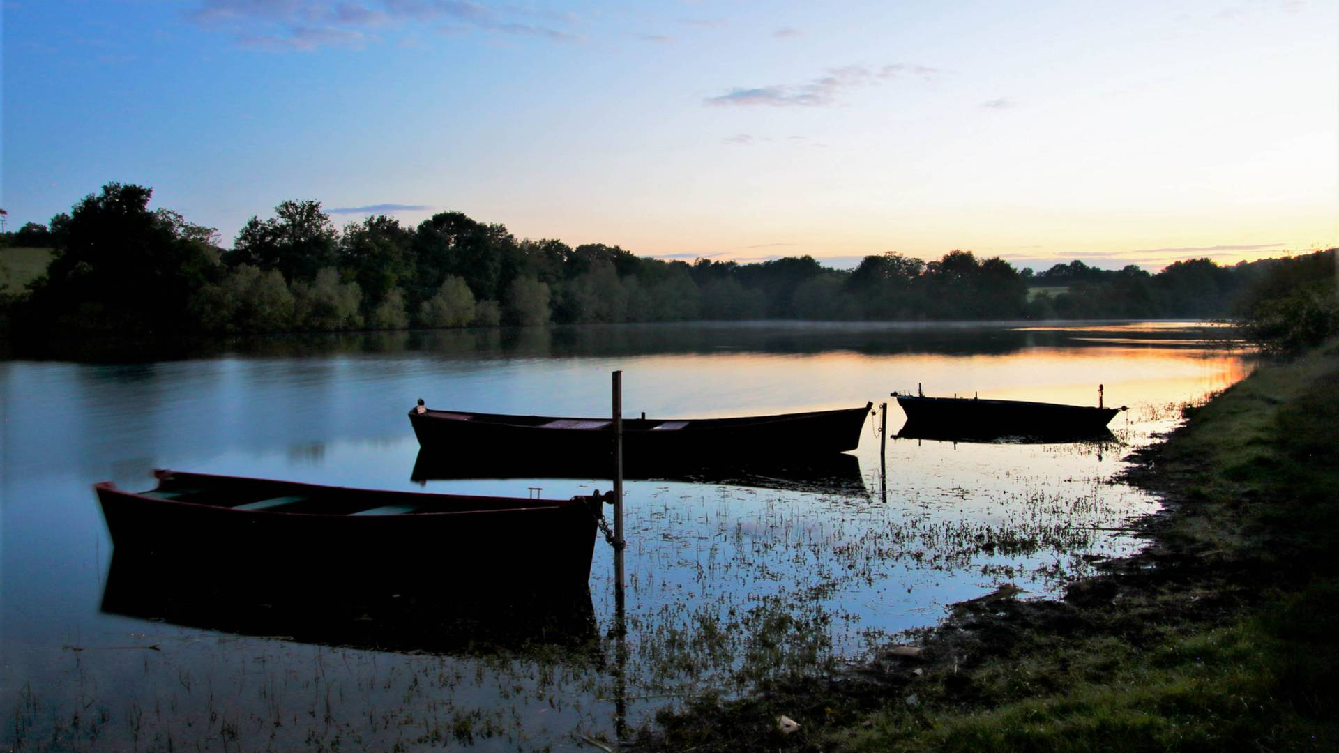 L'étang de Torcy. © Lesley Williamson.