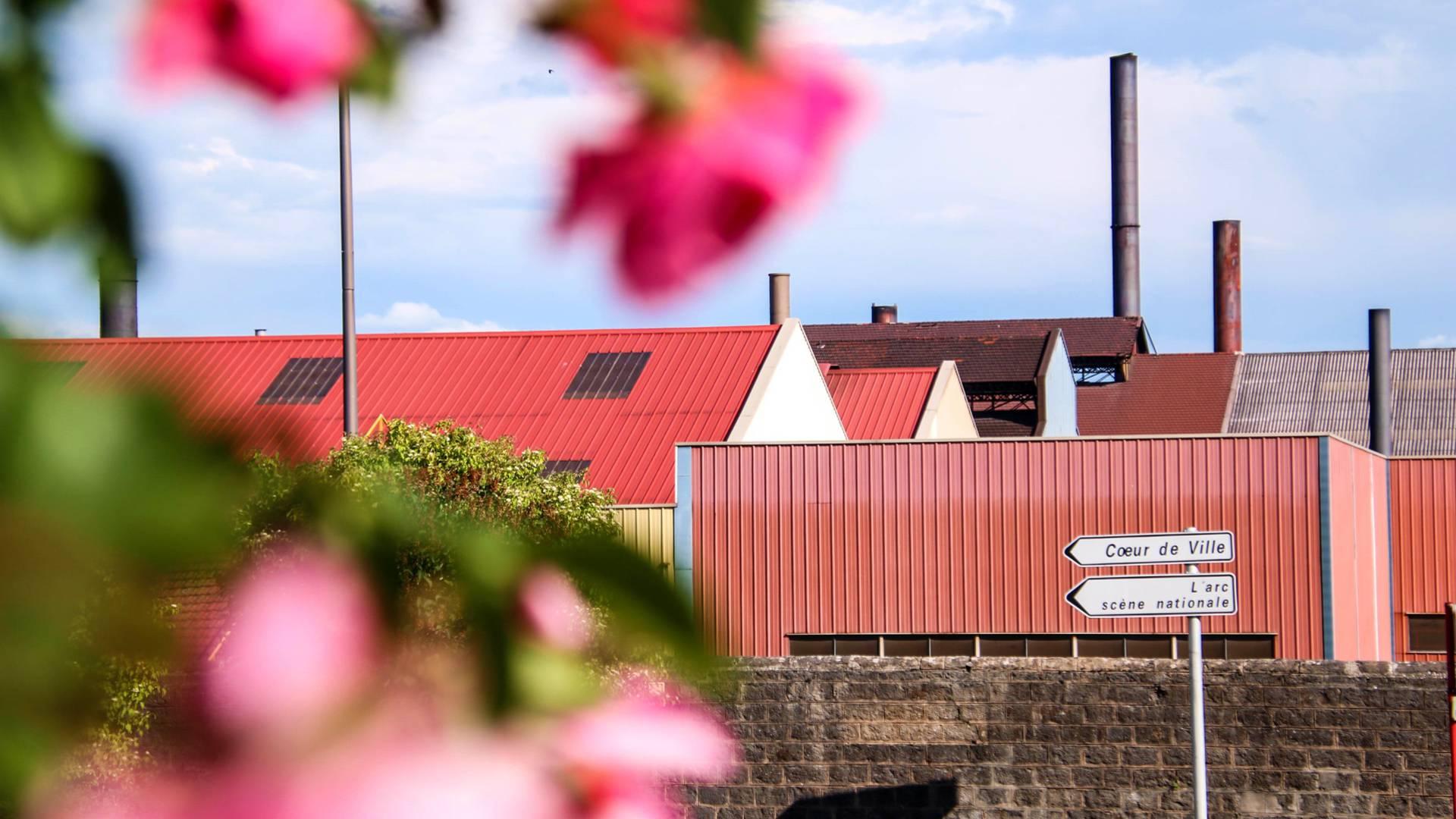 Halles industrielles, Le Creusot. © Lesley Williamson.