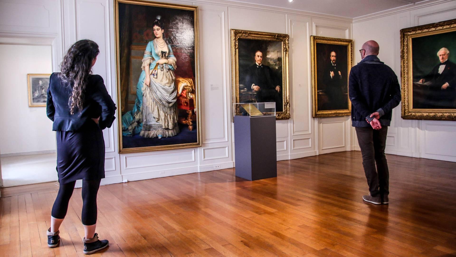 Portraits des Schneider au Musée de l'homme et de l'industrie, Le Creusot. © Lesley Williamson.