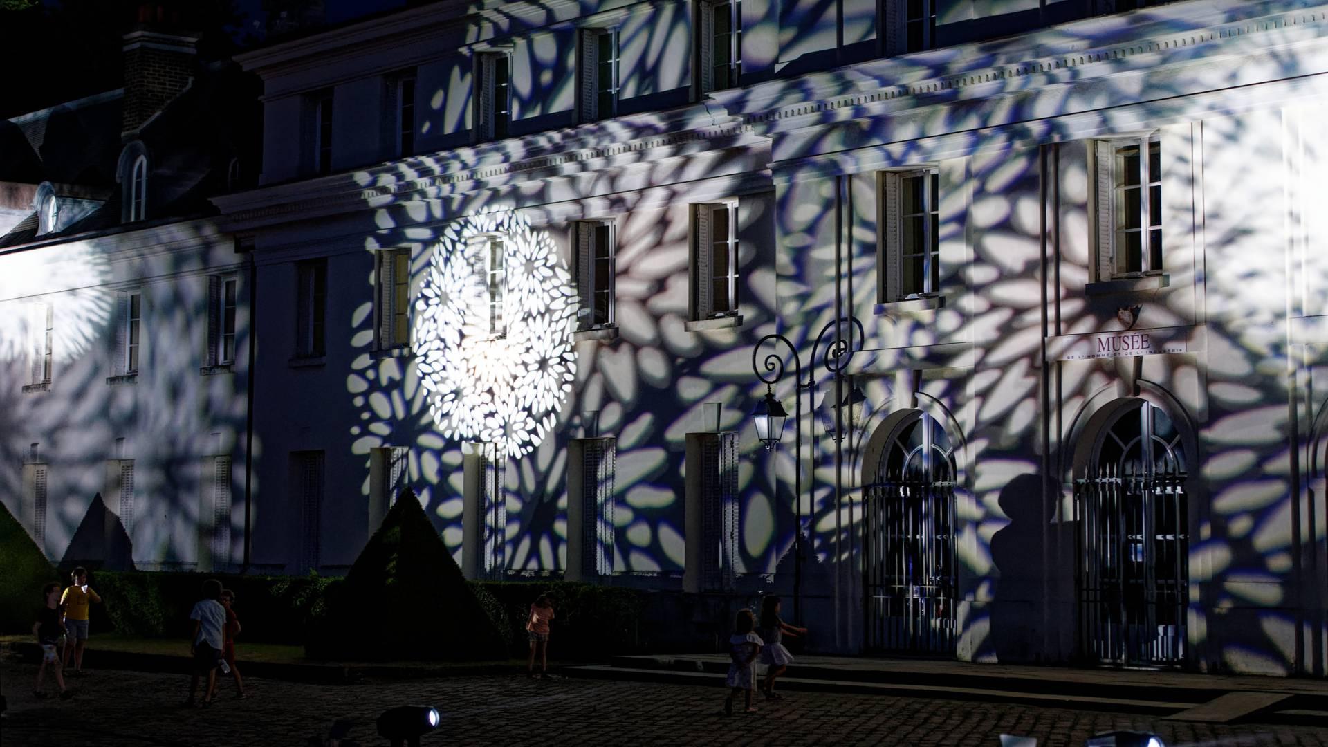 Illumination du château, Notes d'été au Creusot le 19 juillet 2019. © Roland Douarre.
