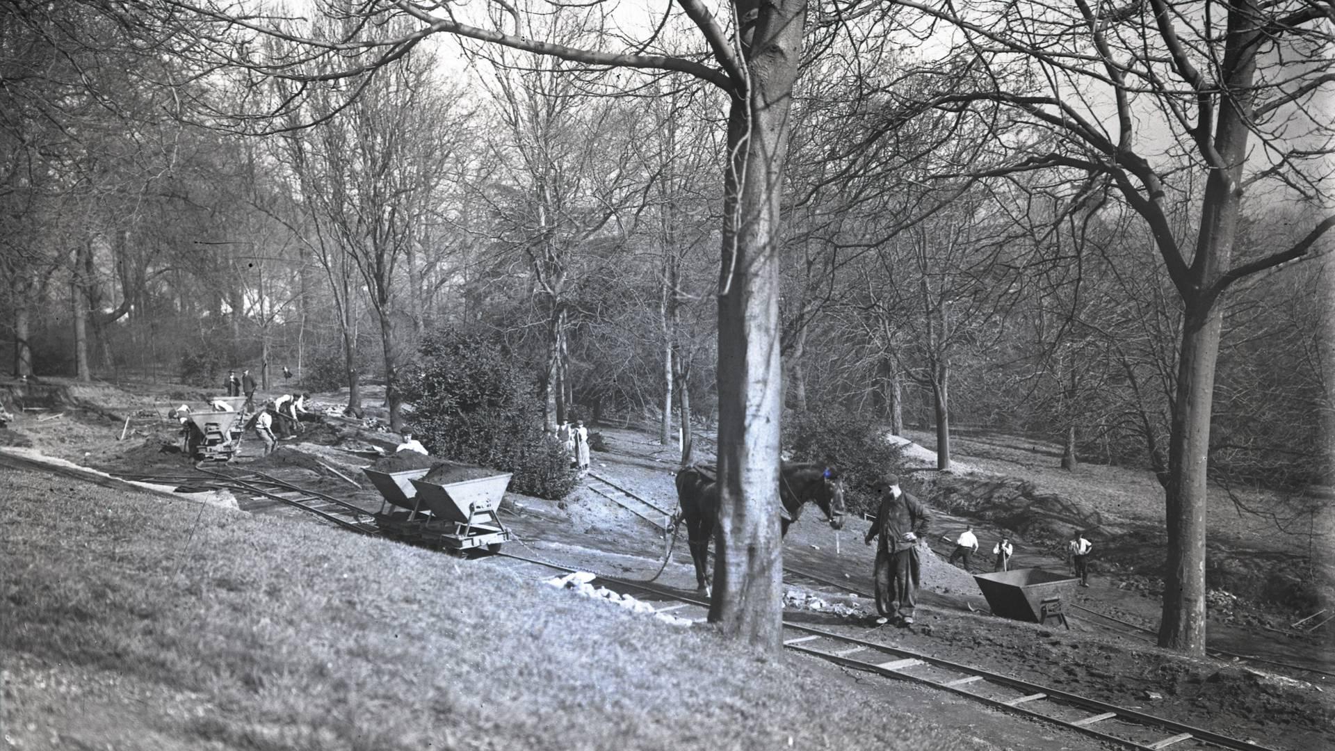 Travaux d'aménagement du parc de la Verrerie, Le Creusot. © CUCM, document Écomusée, reproduction D. Busseuil.