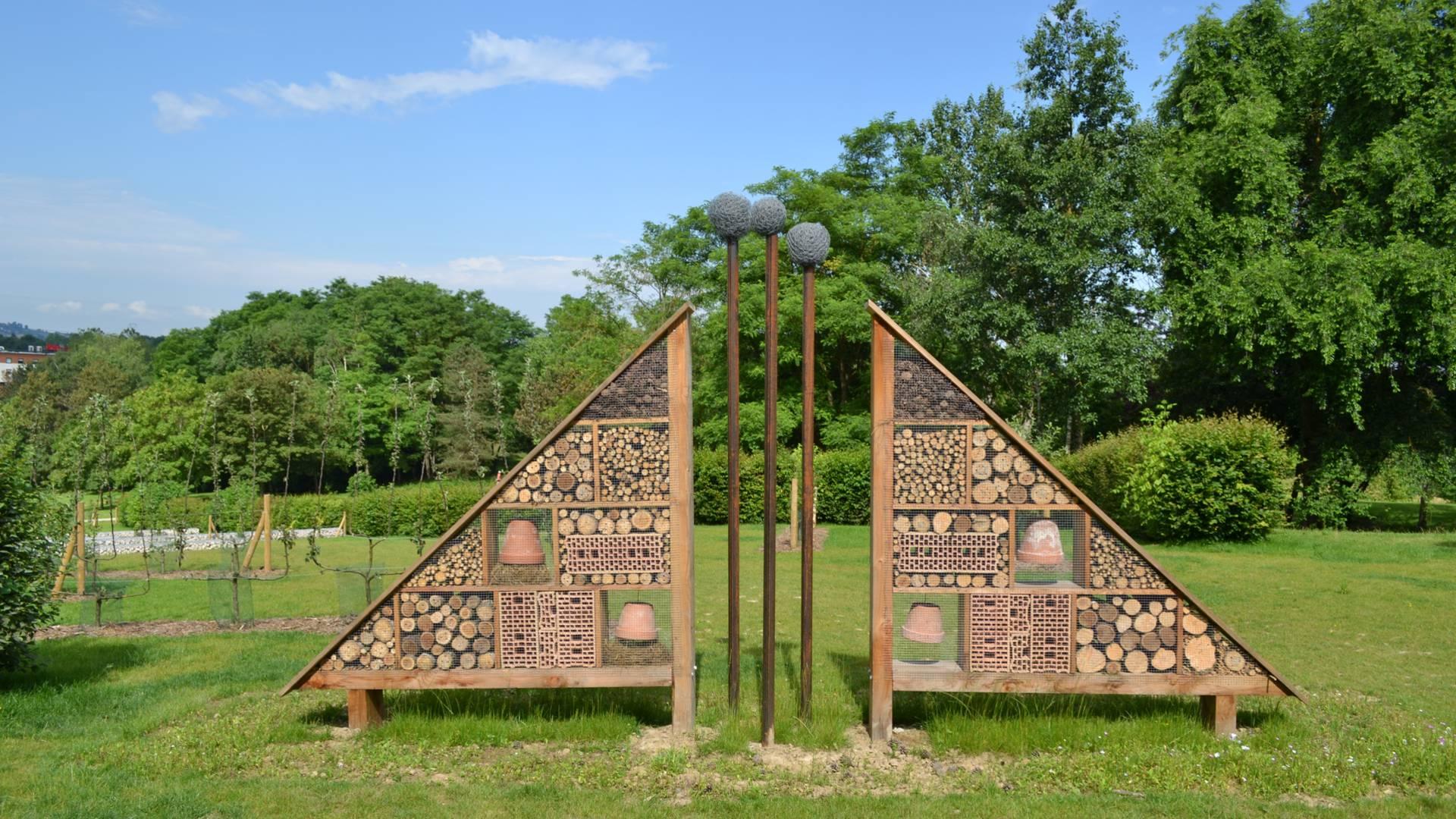 Un verger conservatoire agrémente le parc Saint-Louis. © Creusot Montceau Tourisme.