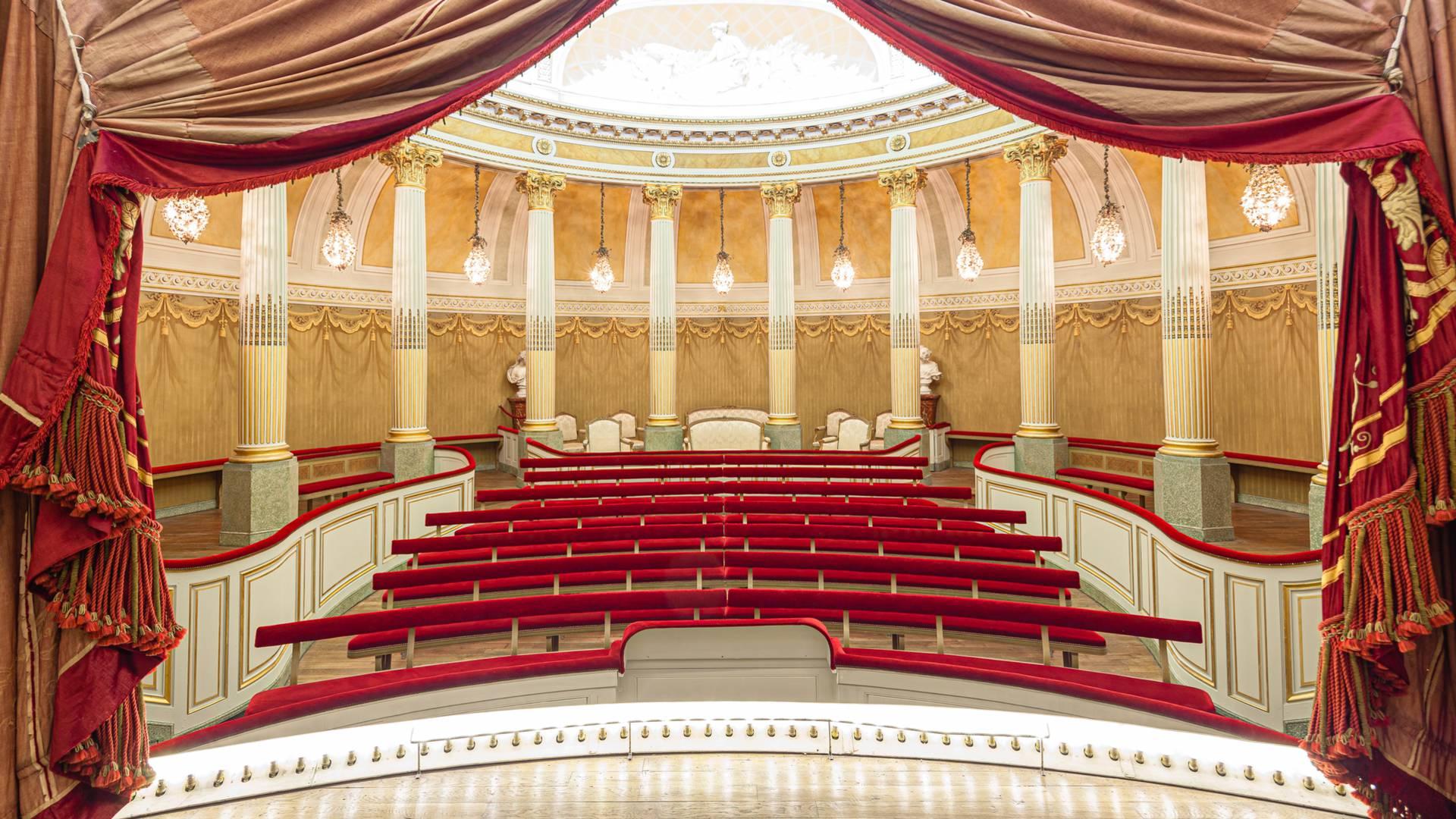 Petit Théâtre du château de la Verrerie, vue depuis de la sscène, Le Creusot. © Xavier Spertini.