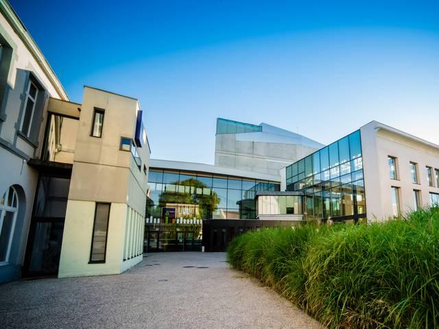 L'entrée moderne des Ateliers du Jour, Montceau-les-Mines. © Franck Juillot.