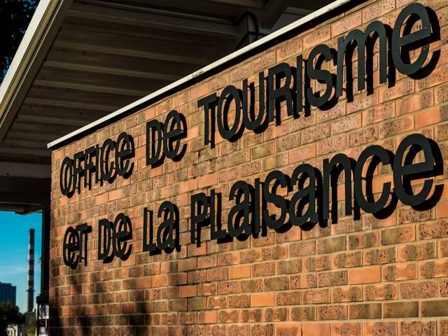 Façade du Bureau d'Information Touristique de Montceau. © Osacara Photographe, Creusot Montceau Tourisme.