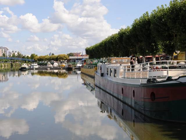 Les rives du canal du Centre, Montceau-les-Mines. © Bruno Le Hir de Fallois.