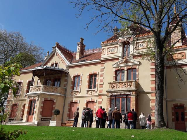 Façade de la Villa Perrusson, Écuisses. © Creusot Montceau Tourisme.