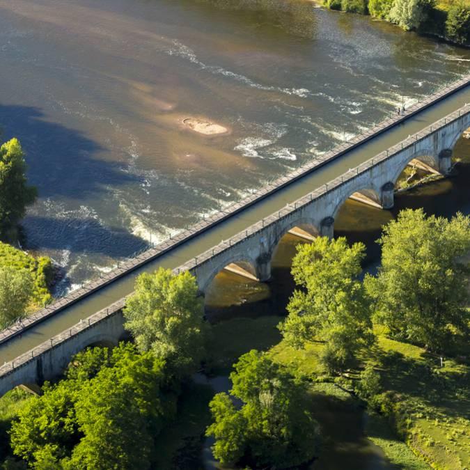 Le pont-canal de Digoin qui enjambe la Loire. © DSL-Aurélien Ibanez-Bourgogne Live Prod.