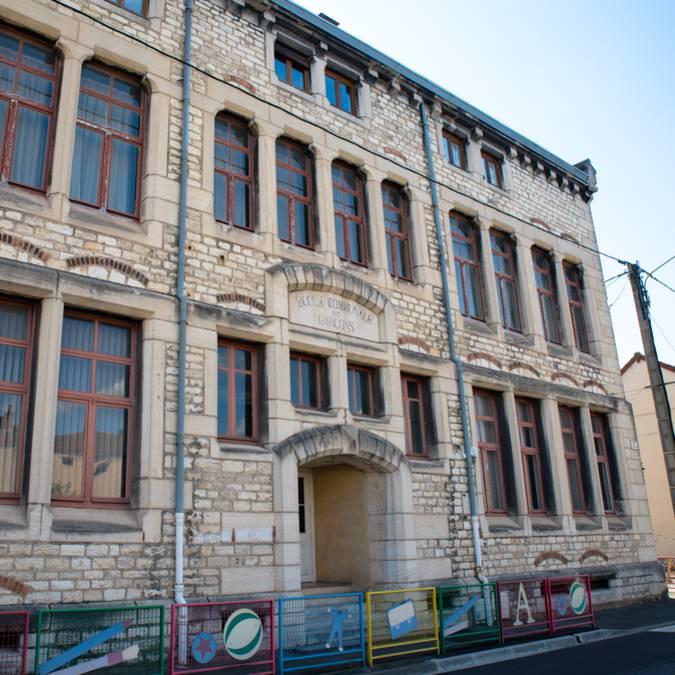 La façade de la Maison d'école, Montceau-les-Mines. © Franck Juillot.