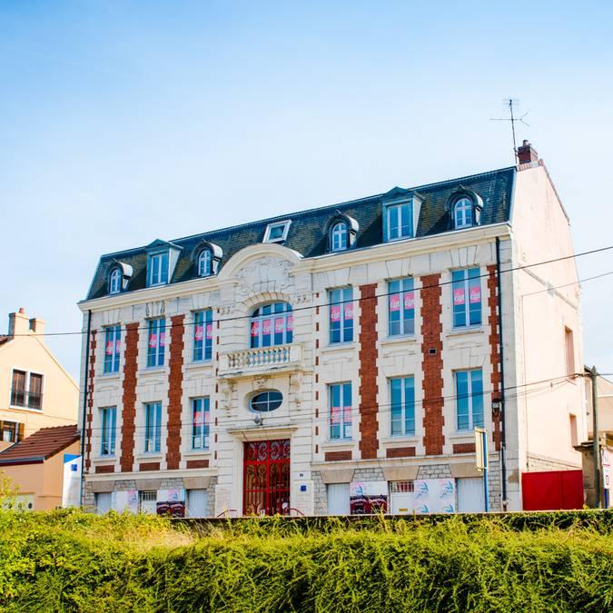 Façade du syndicat des mineurs, Montceau-les-Mines. © Franck Juillot.