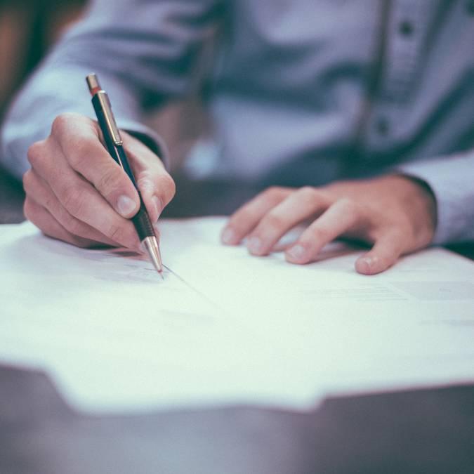 Signature partenariat. © Free-Photos, Pixabay.