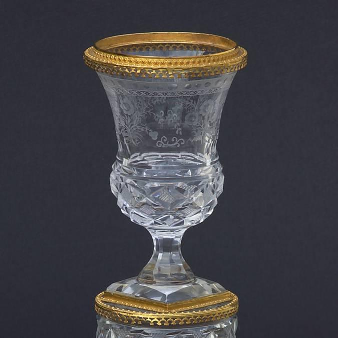 Vase en cristal et bronze doré, vers 1810, Le Creusot, Musée de l'homme et de l'industrie. © CUCM, document écomusée, reproduction D. Busseuil.